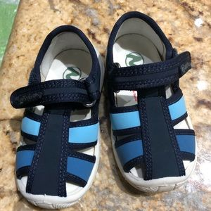 Naturino toddler Boys kid shoes size 20 NEW